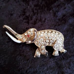 Vtg Caro Signed Gold Tone Elephante Brooch Pin